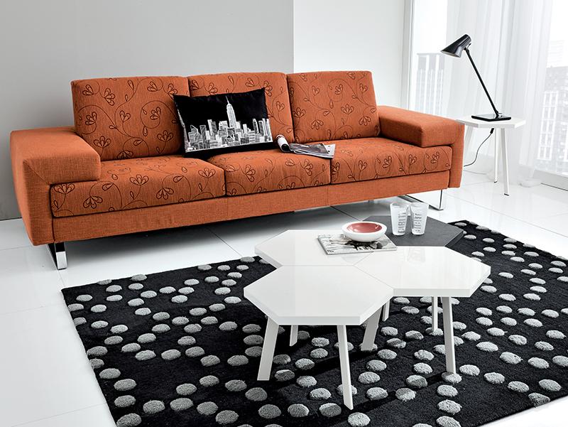 Rossella tavolino moderno da salotto con piano esagonale for Salotto piccolo
