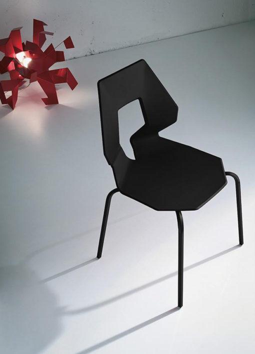 Prodige - Sedia dal carattere contemporaneo con gambe in cromo