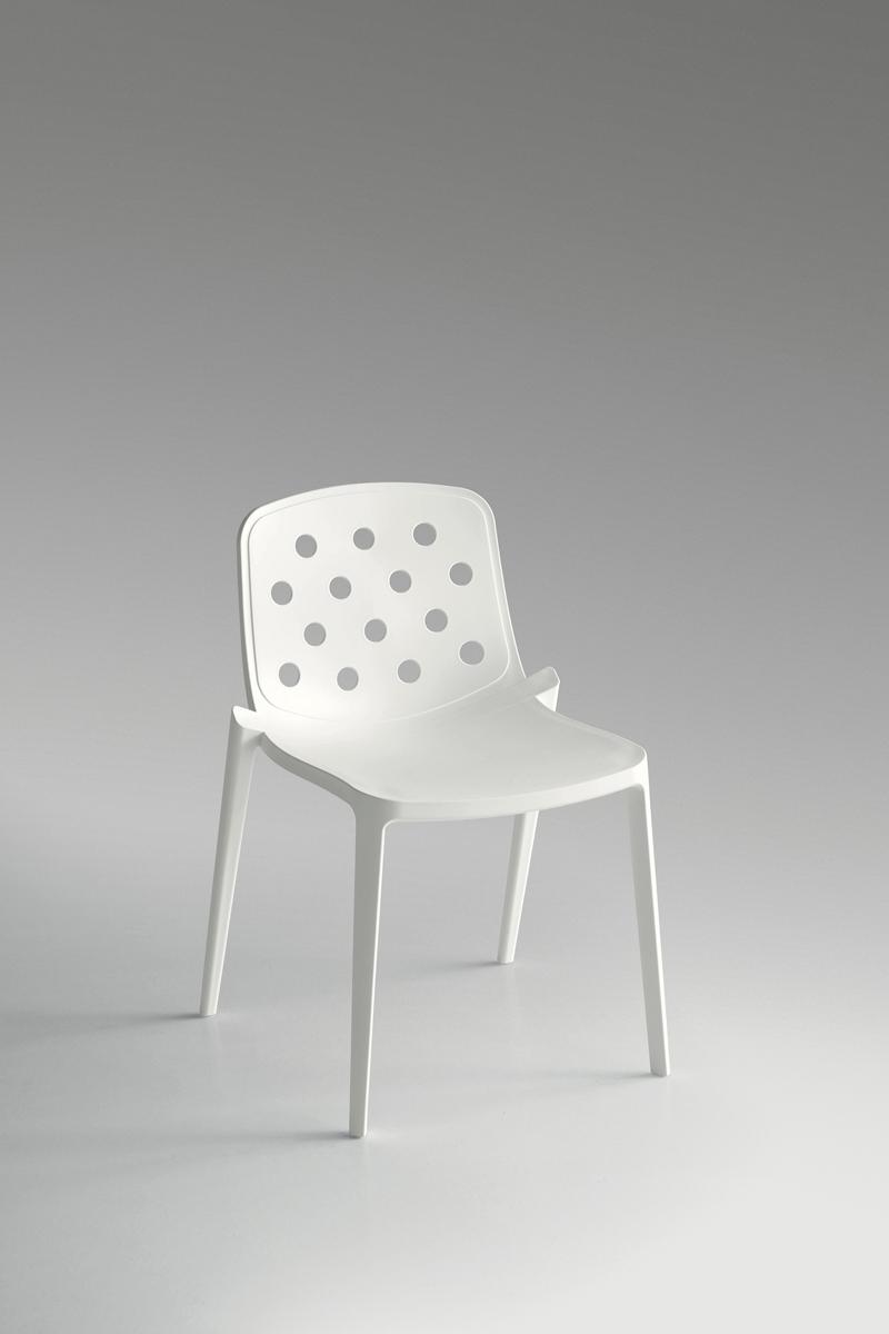 Isidora sedia moderna caratterizzata dal particolare for Sedia particolare