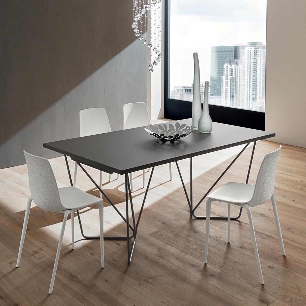 denis tavolo di alto design ricercato e moderno interno77 soluzioni d 39 arredo. Black Bedroom Furniture Sets. Home Design Ideas