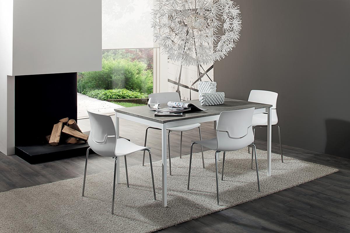 Giacomo - Tavolo moderno con struttura in metallo laccato bianco o  alluminio - INTERNO77   Soluzioni d\'arredo