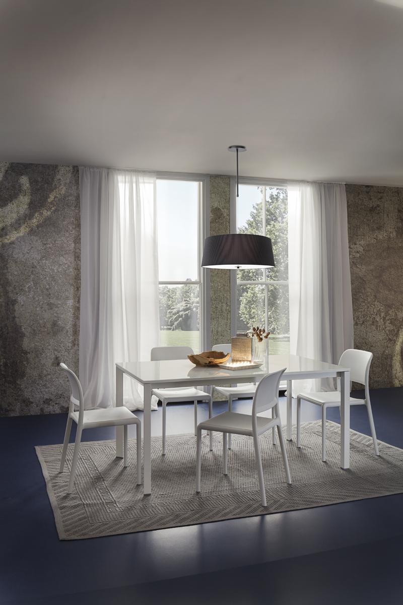 Mauro tavolo classico con gambe il metallo verniciato for Tavolo classico