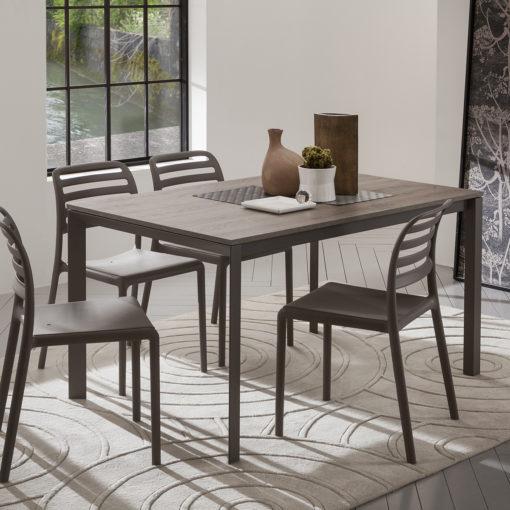 Mauro - Tavolo classico con gambe il metallo verniciato