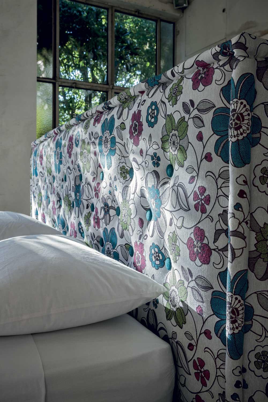 Comfort letto matrimoniale raffinato imbottito in tessuto o ecopelle interno77 soluzioni d - Letto matrimoniale imbottito ecopelle ...